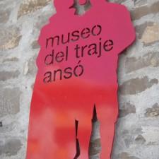 museotrajeansotano