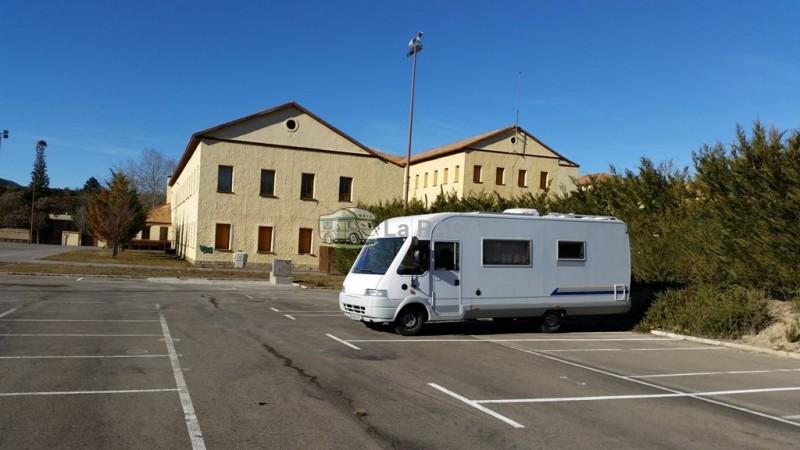 Fuente: http://www.lapaca.org/. Parking de Sabiñánigo