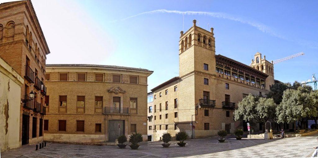 HUESCA, PLAZA DE LA CATEDRAL-AYUNTAMIENTO