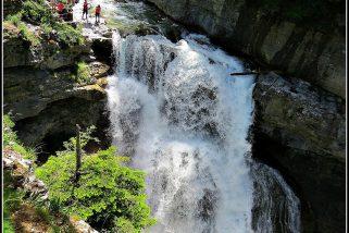 🌲🌻💦 Espectacular Excursión Circular a la Cascada de Arripas, Cascada de la Cueva y Cascada del Estrecho