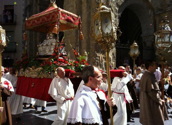 Santa Orosia y San Pedro patrones de Jaca y de sus montañas… ¡Qué comience la fiesta! 🎉