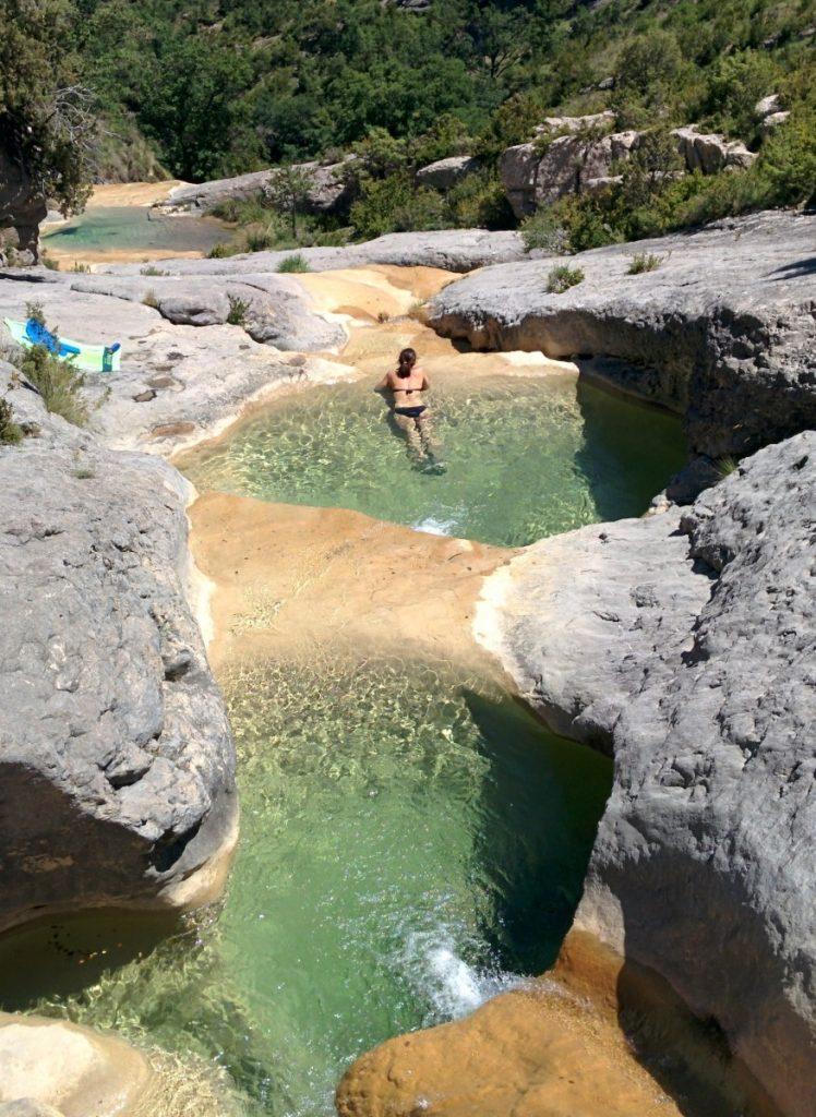 8 piscinas naturales para refrescarte en huesca for Piscina jaca