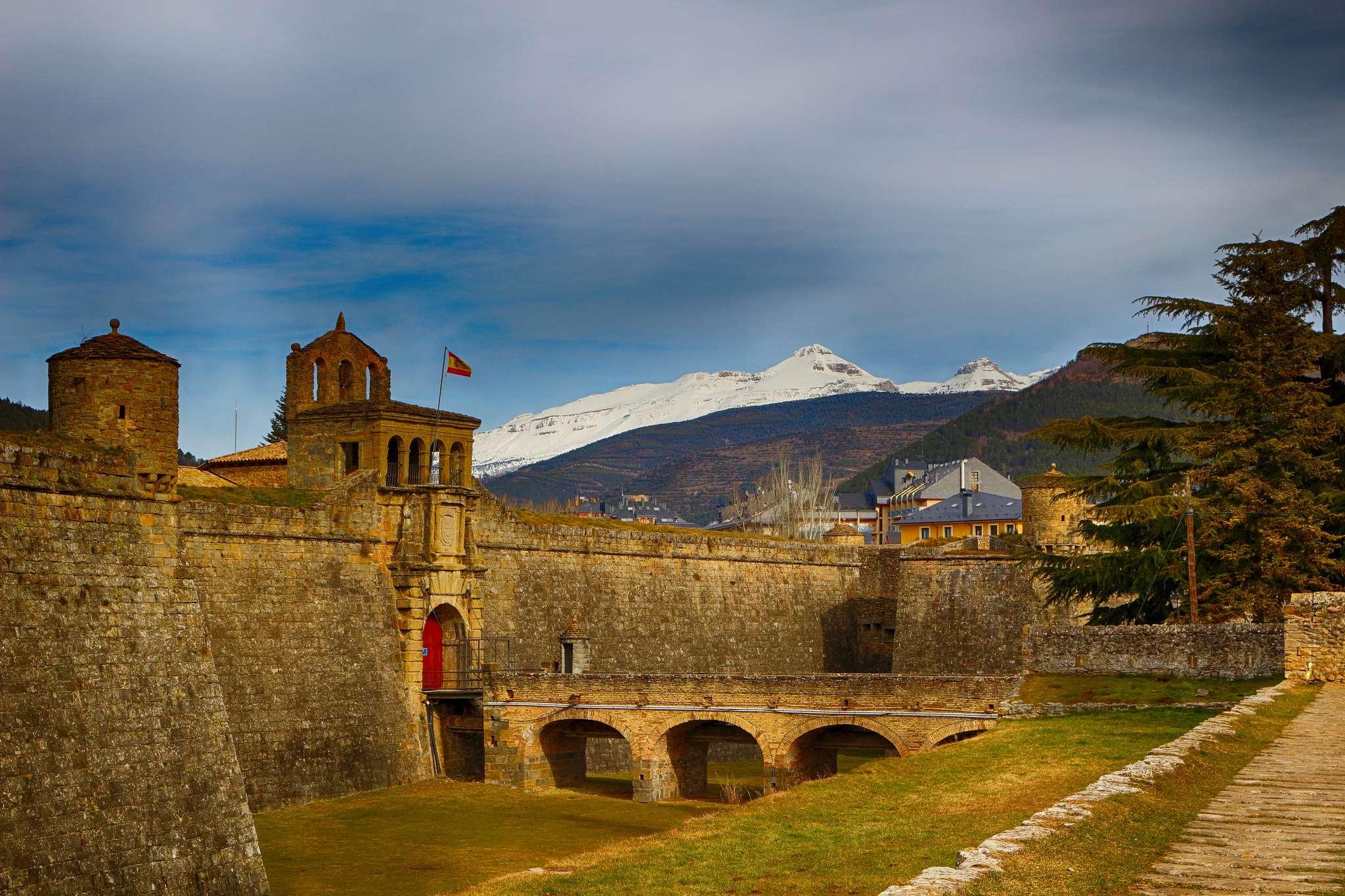 Ciudadela de Jaca de https://www.flickr.com/photos/calrritos/