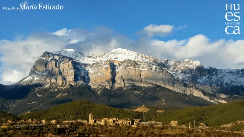 Pueyo de Araguás y Peña Montañesa
