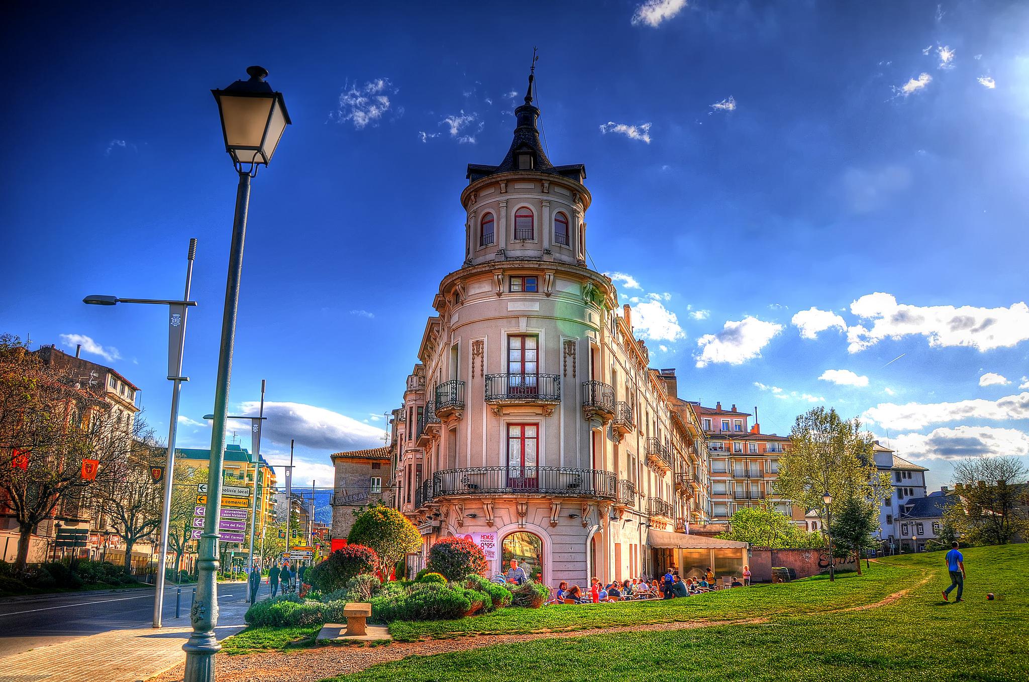 10 Lugares imprescindibles que ver en Jaca ❤️