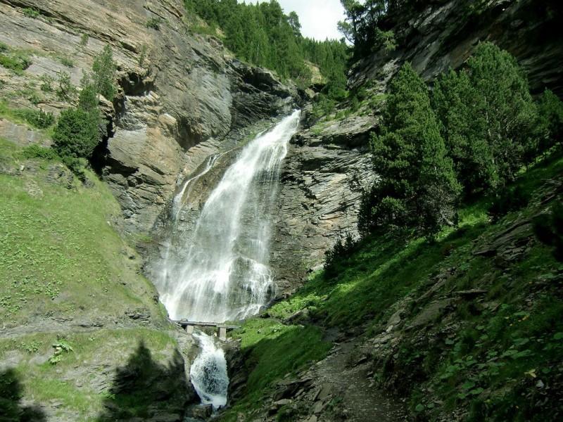 Cascada Bom - Fotografía de www.excursionesporhuesca.es
