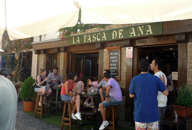 Tasca-Ana-terraza
