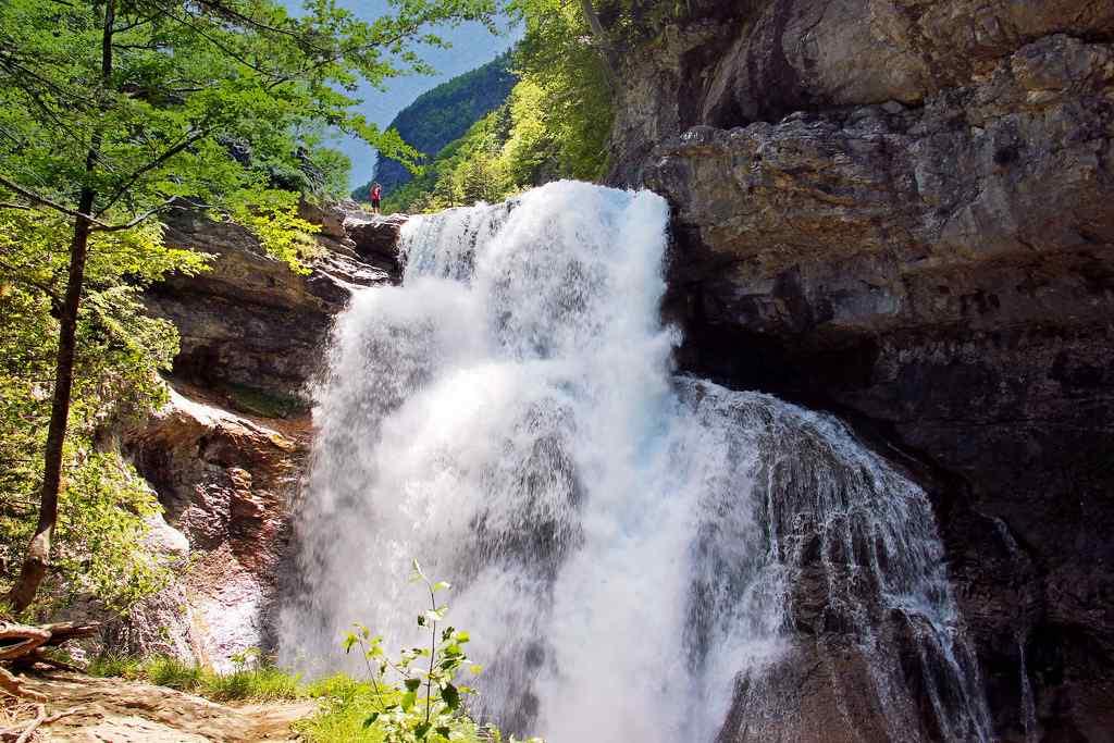 Las 17 Cascadas y Saltos de Huesca que no te puedes perder esta primavera 💧☀️