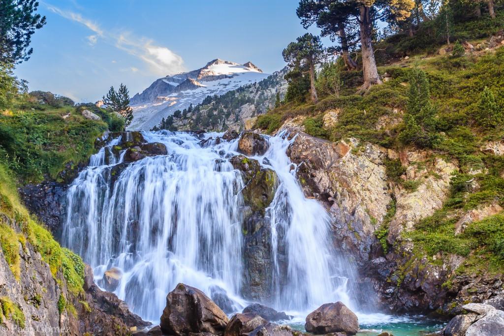 Cascada de Aiguallut y Fondo el Aneto - Paco Gómez (http://bit.ly/202qcb7)
