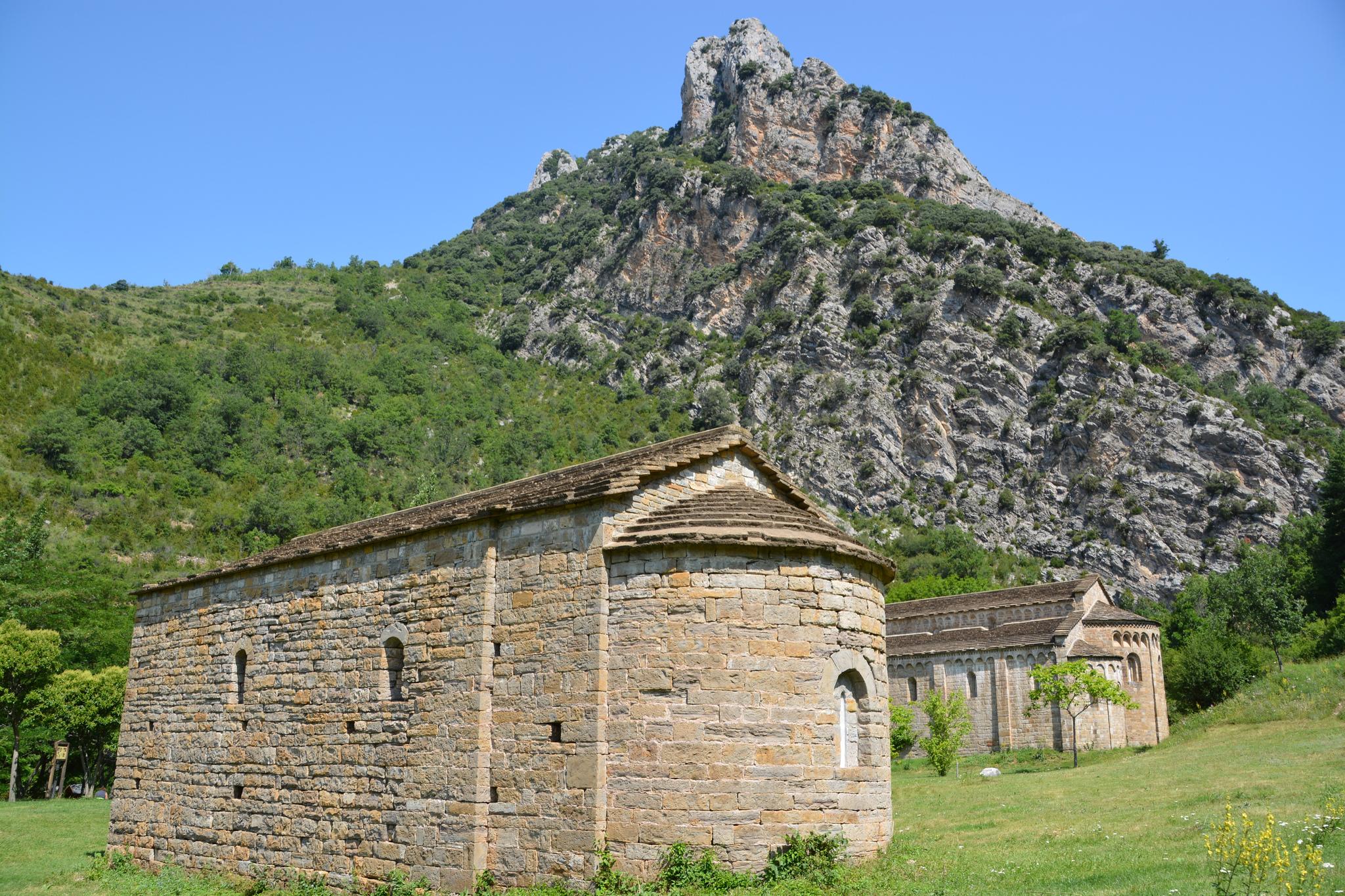 ⛪️ El Monasterio de Obarra y la Leyenda del Barón de Espés 👻