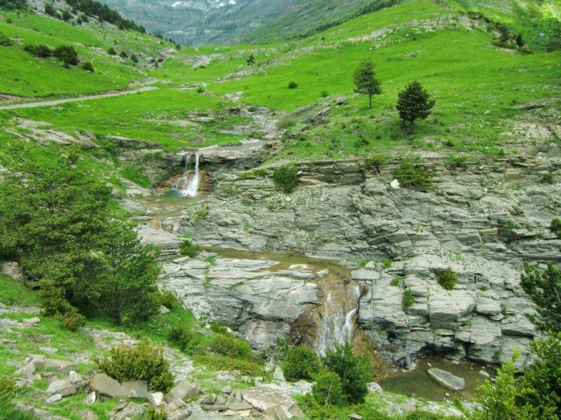 Cascadas y pozas en el Barranco de Igüer