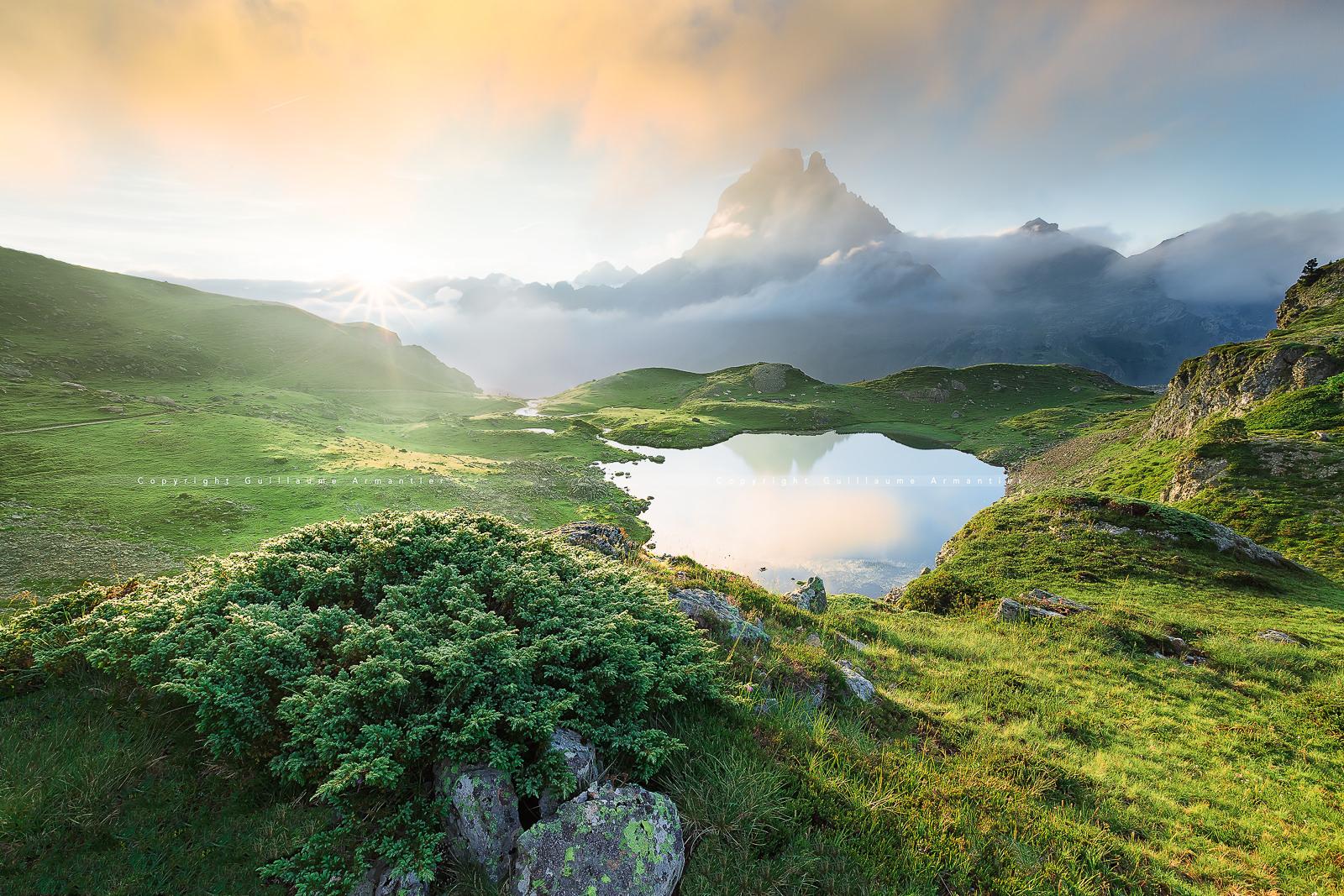 💦 7 Excursiones sencillas y espectaculares a los ibones de Astún, usando su telesilla!
