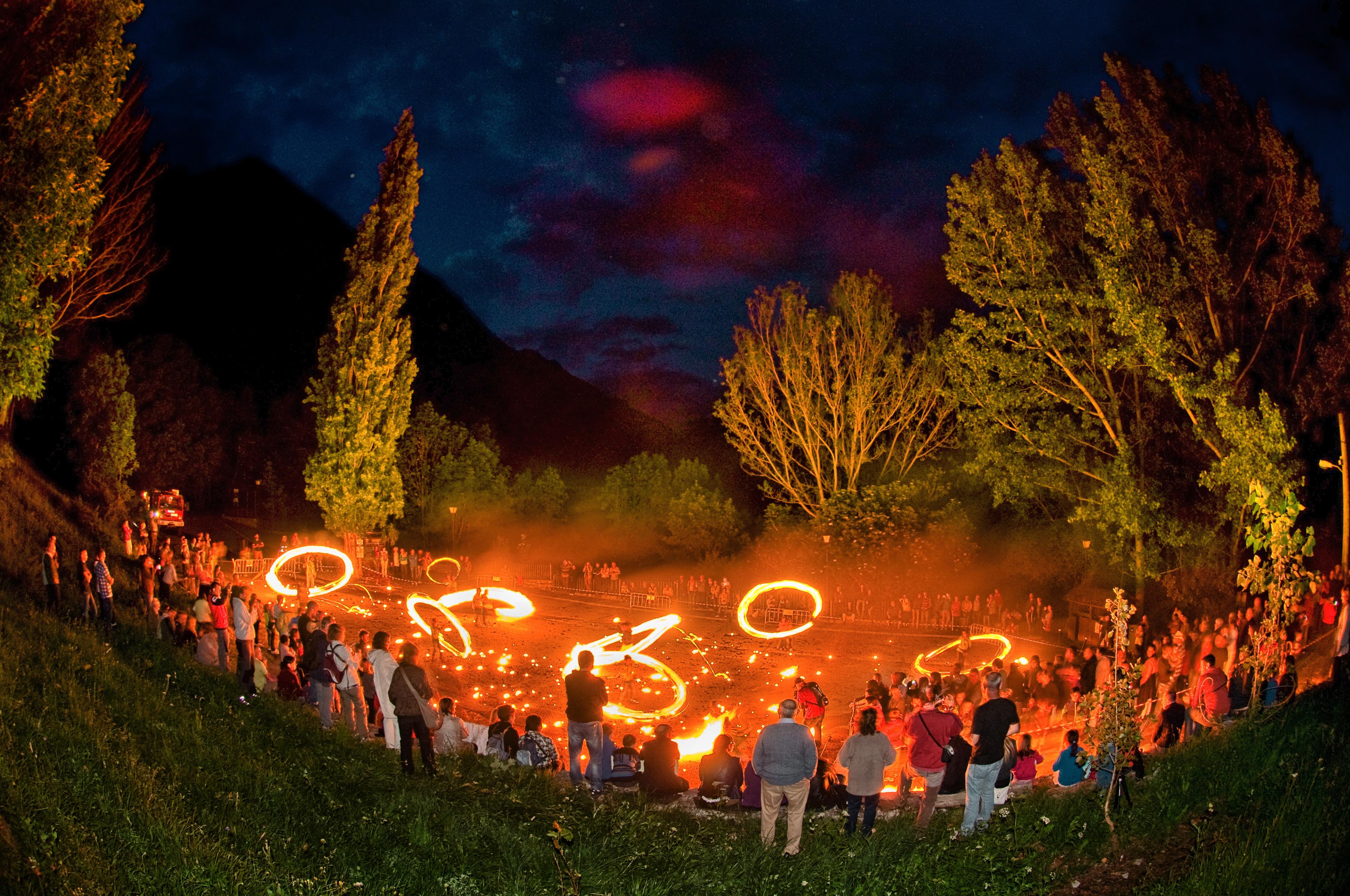🔥🎉 9 Lugares donde celebrar las Fallas de San Juan en Huesca