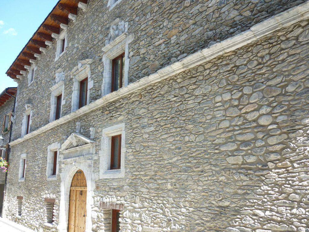 Palacio de los Condes de Ribagorza de https://www.flickr.com/photos/alejandro5000/