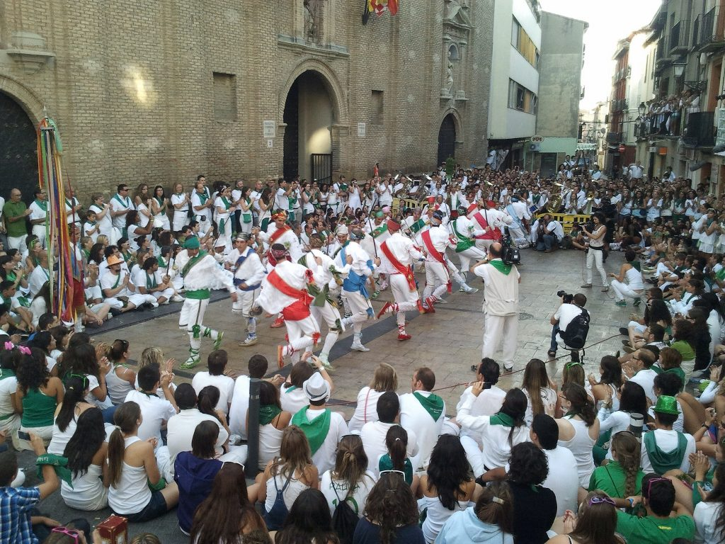 Danzantes de Huesca Fotografía de Cultura Huesca https-::www.flickr.com:photos:84603436@N03:
