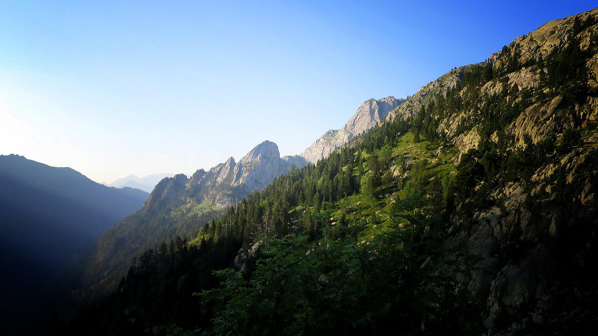 Valle de Eriste - https://www.flickr.com/photos/wenceslaugraus/