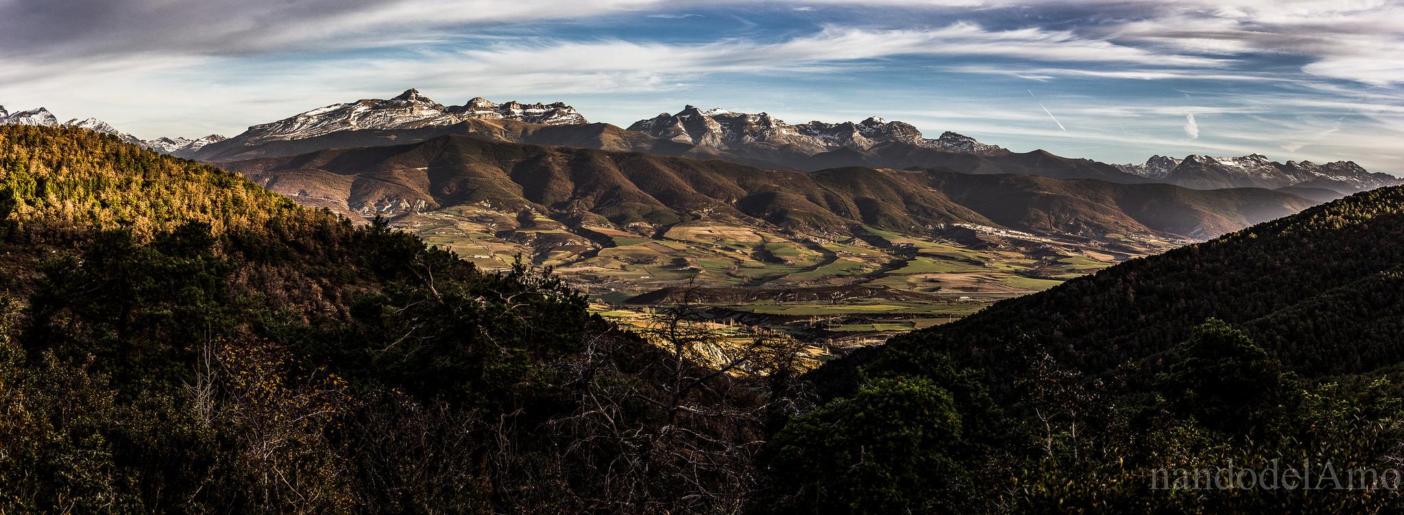 Peña Oroel de www-flickr-comphotos98925181n0424188812570-fernando-del-amo