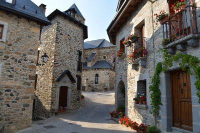 🏘 7 Pueblos de cuento ❤ para perderse este verano en Huesca