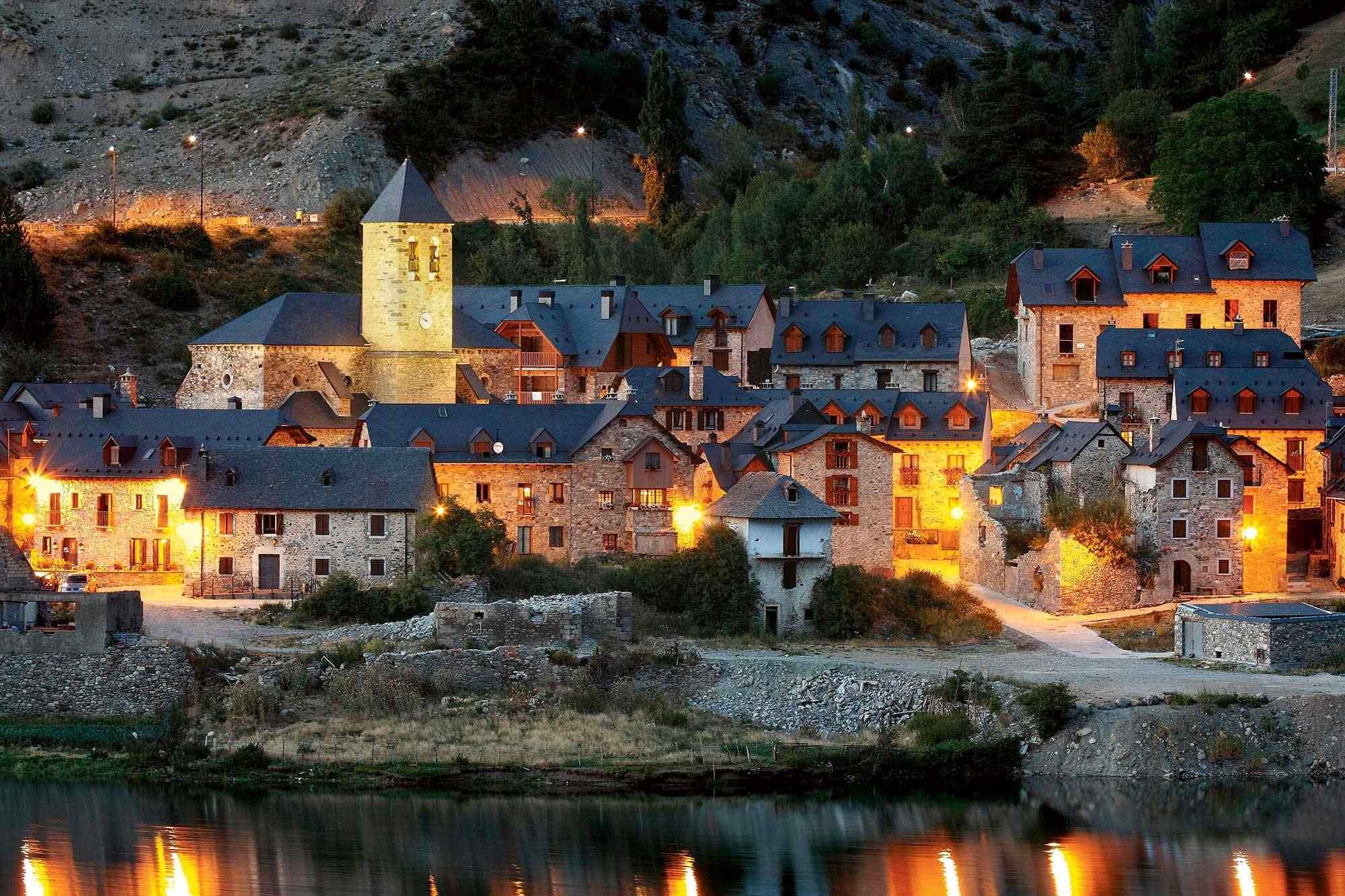 🏘 7 Pueblos con Encanto ❤ para perderse esta primavera en Huesca
