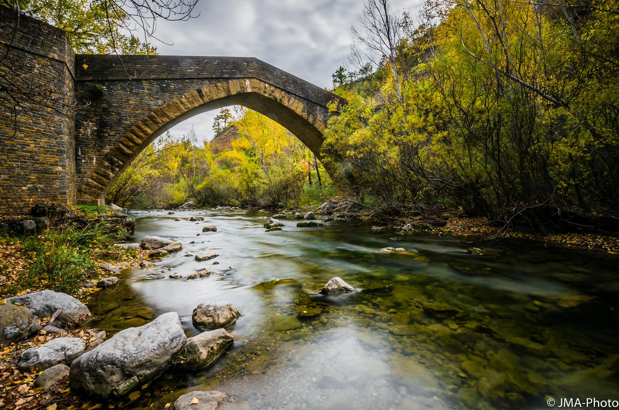 Ruta por los espectaculares puentes medievales del Isábena