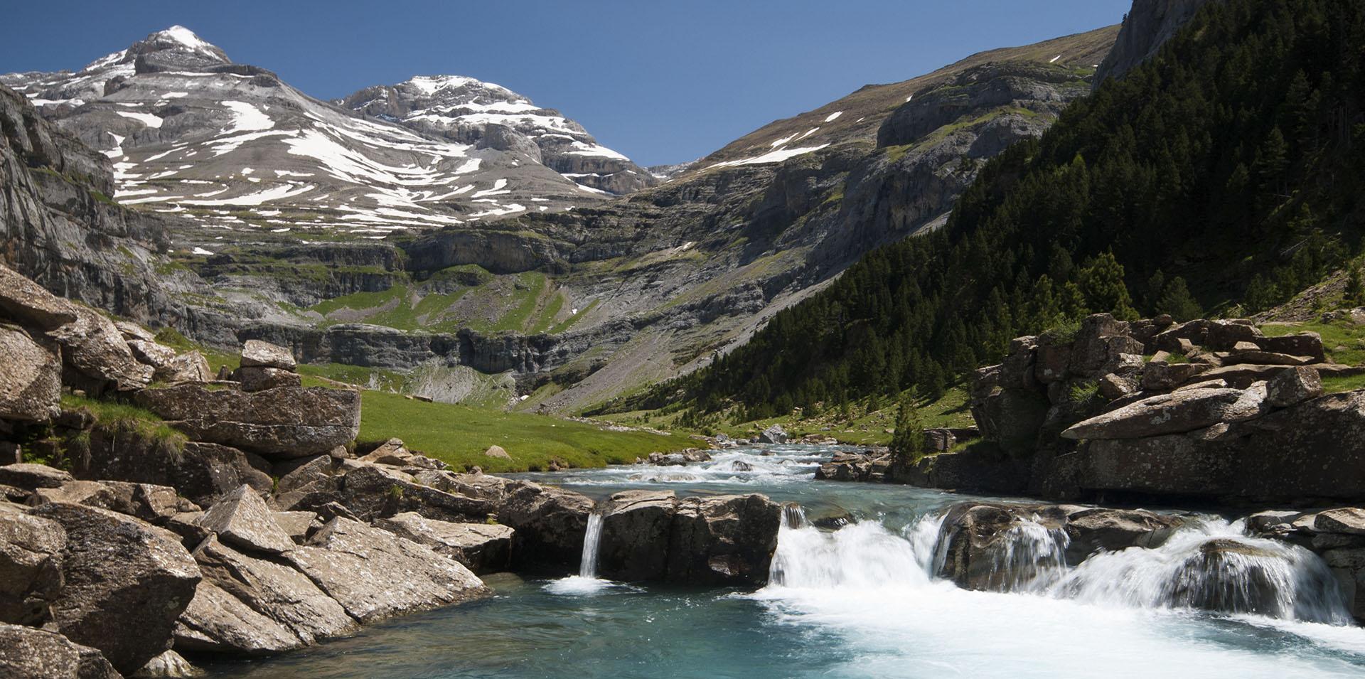 🦅  6 Rutas naturales para descubrir la vida salvaje de los Pirineos y provincia de Huesca.