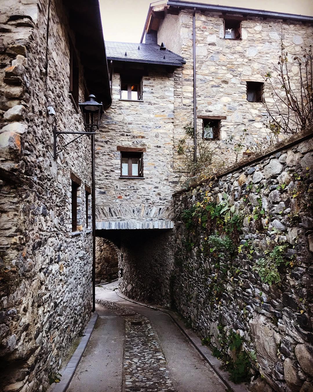 🤫 5 pueblos escondidos y que no te puedes perder este Invierno en Huesca 💙