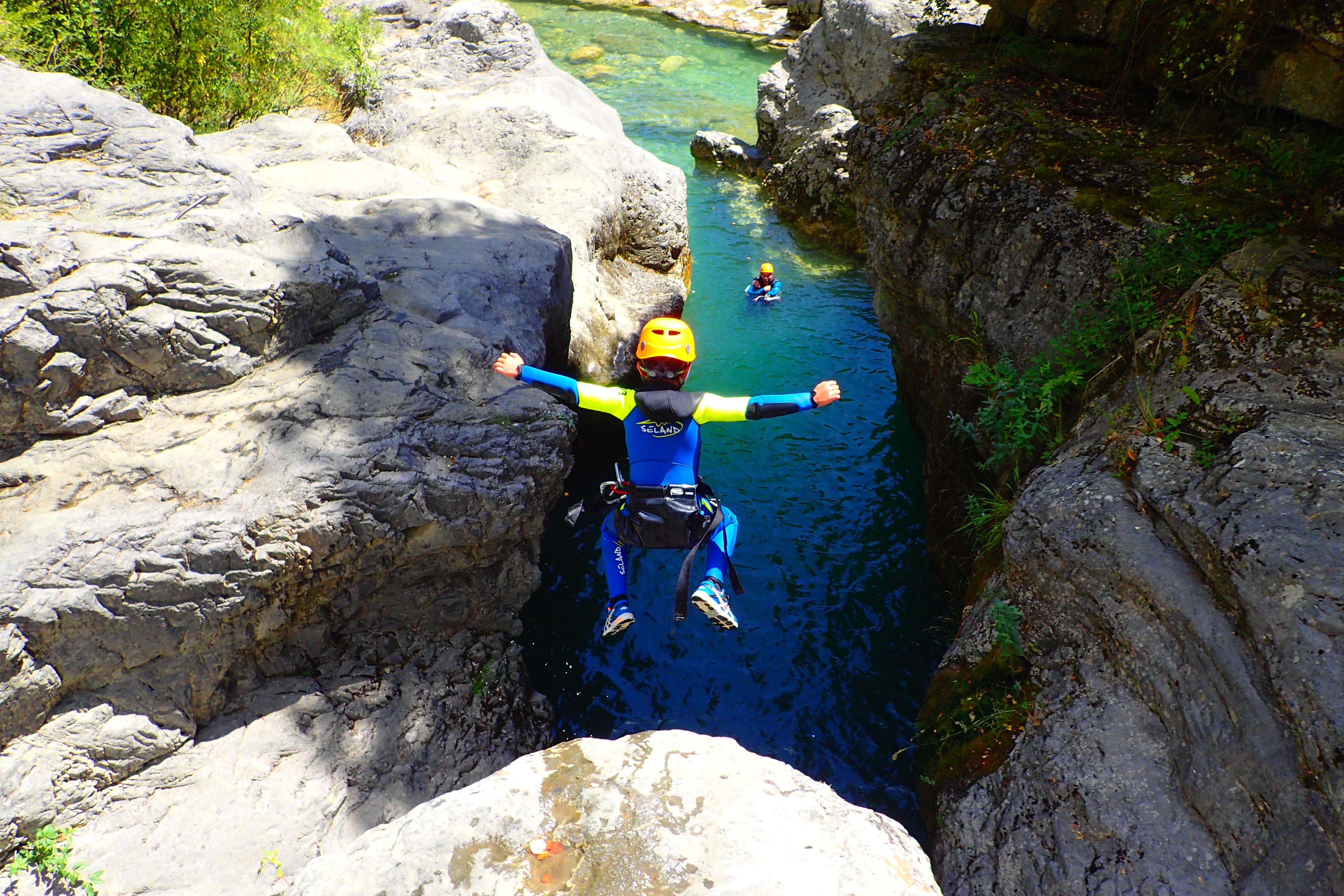 Rafting, Barranquismo y Kayak desde los 6 años  ¡Diversión en el Agua este verano!