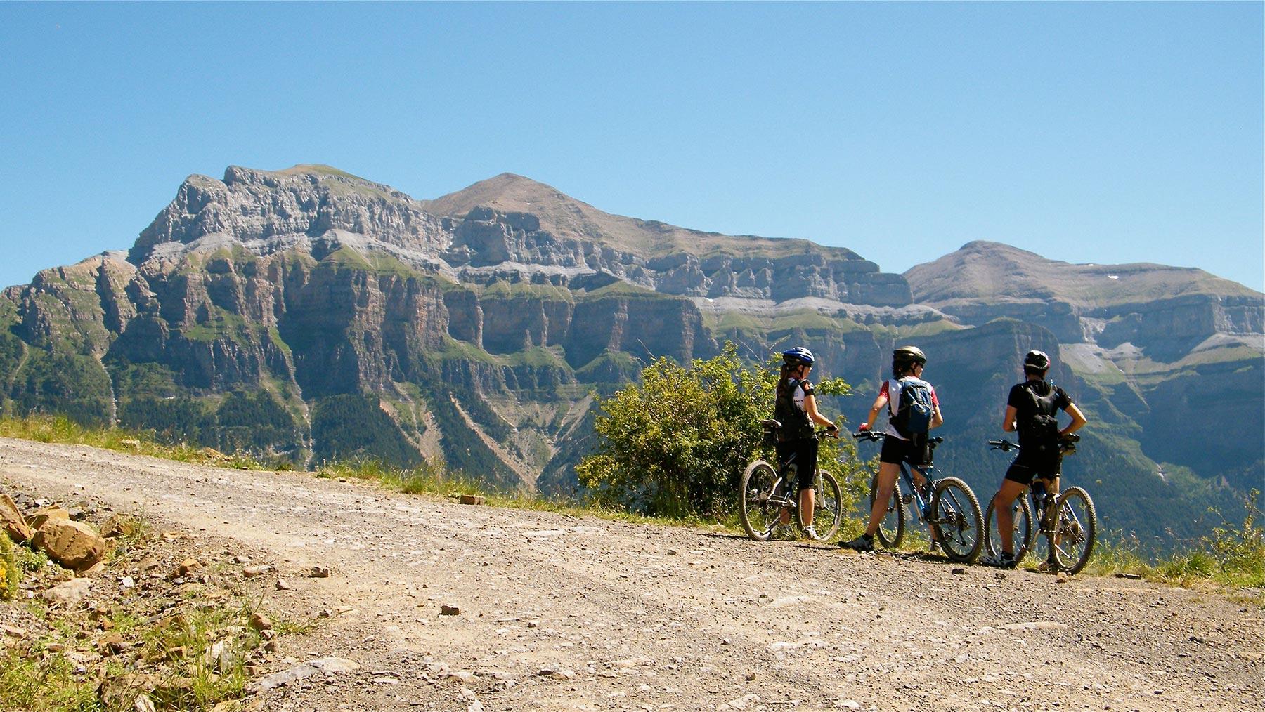 11 Rutas en Bici por la Provincia de Huesca 🚴🏼 desde familias a más experimentados