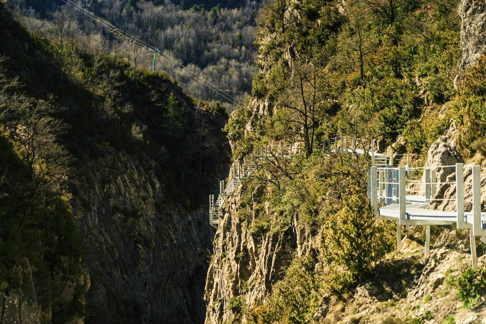 ¡¡Notición!! Tenemos nuevas pasarelas sobre el río Caldarés en Panticosa 🥳👏
