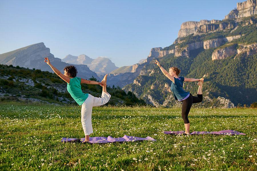 Vacaciones de bienestar 🧘♀️🍃 10 experiencias de Turismo Slow, Yoga y Ecoturismo en Huesca
